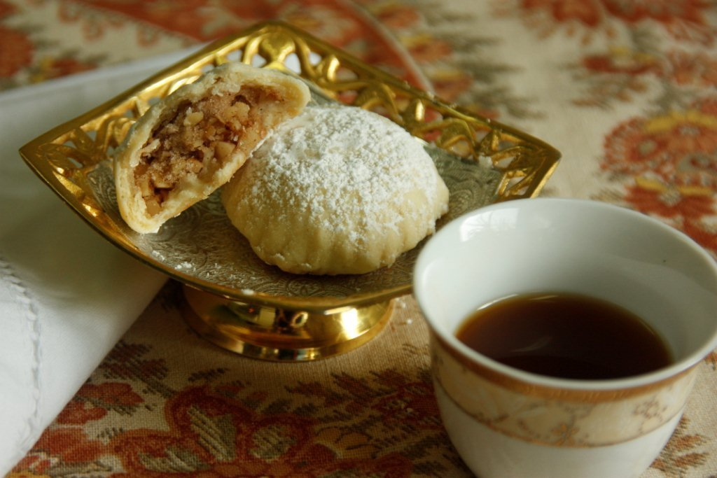 Wonderful Dessert Eid Al-Fitr Food - Arabic-Coffee-Fav-Eid-moment1  Graphic_662640 .jpg