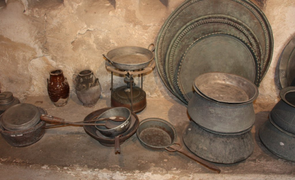 Arabic zeal 2012 january for Traditional kitchen equipments